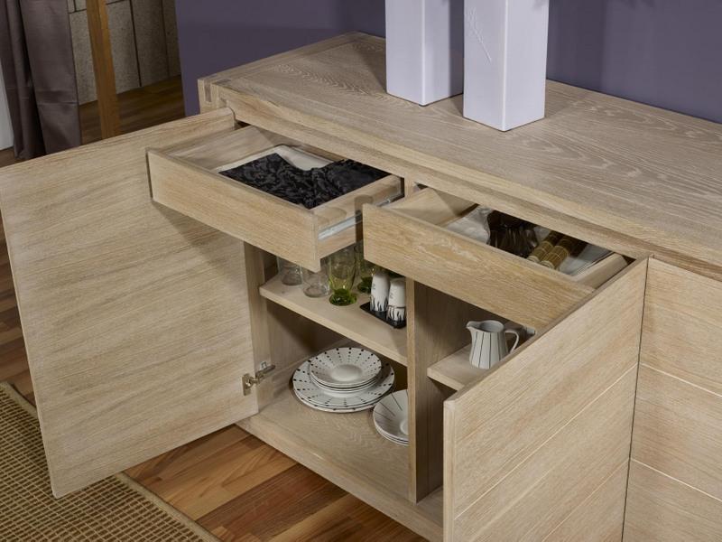 buffet 3 portes mathis en ch ne de style contemporain finition ch ne bross blanchi meuble en. Black Bedroom Furniture Sets. Home Design Ideas