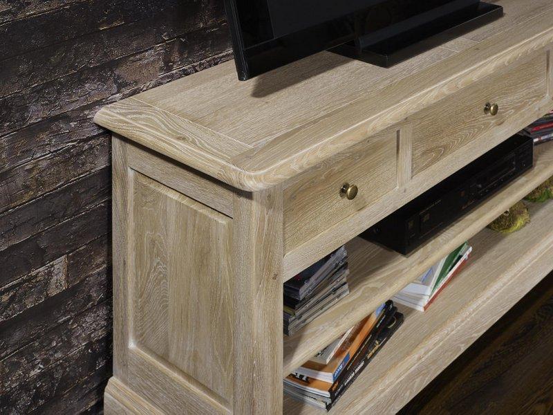meuble tv 16 9eme en ch ne massif de style louis philippe. Black Bedroom Furniture Sets. Home Design Ideas