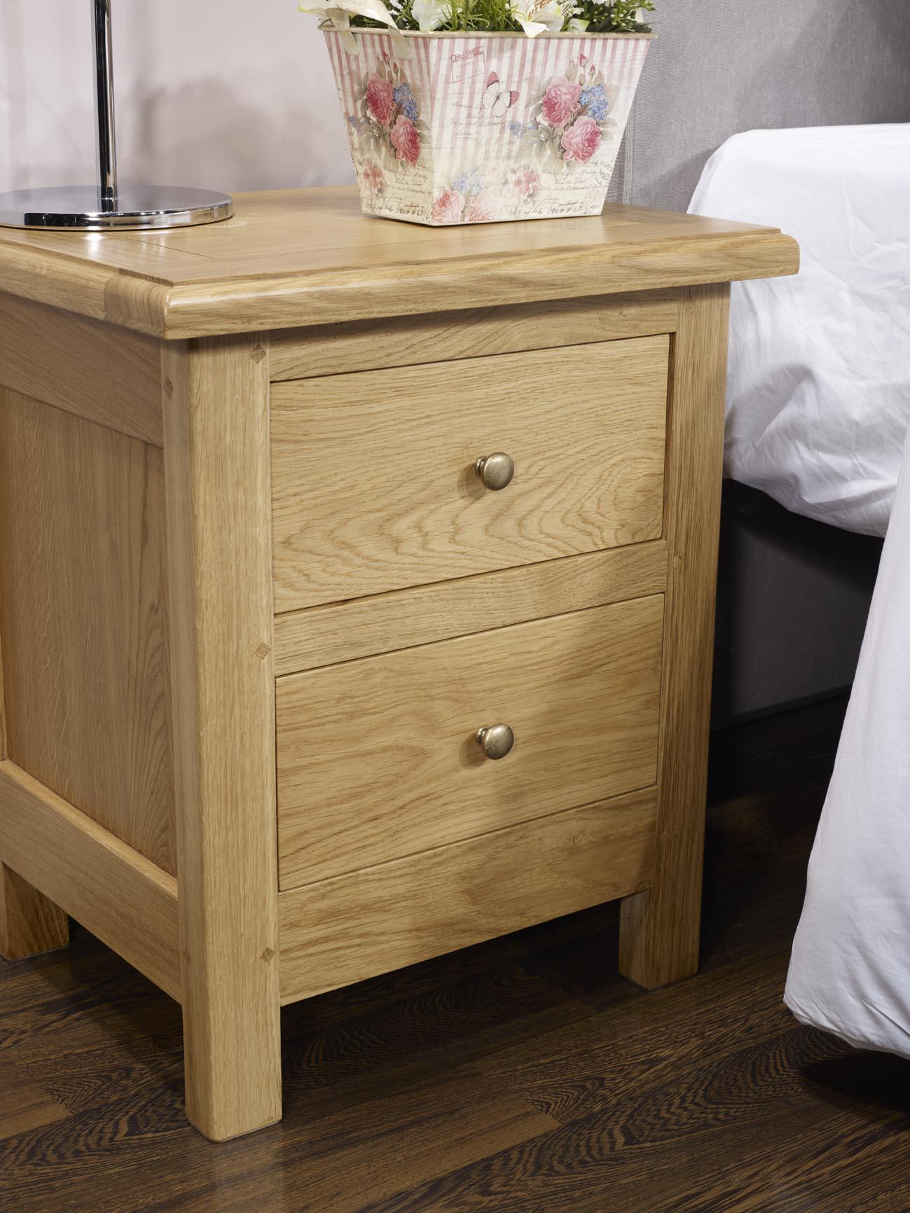Chevet 2 tiroirs en ch ne massif de style campagne meuble en ch ne - Table style campagne ...