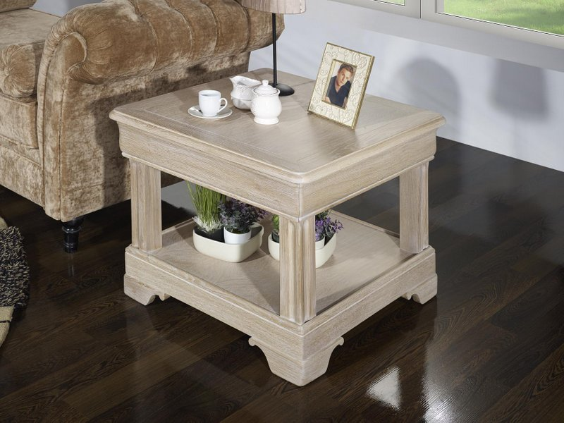Petite table basse ines en ch ne de style louis philippe for Petite table basse but