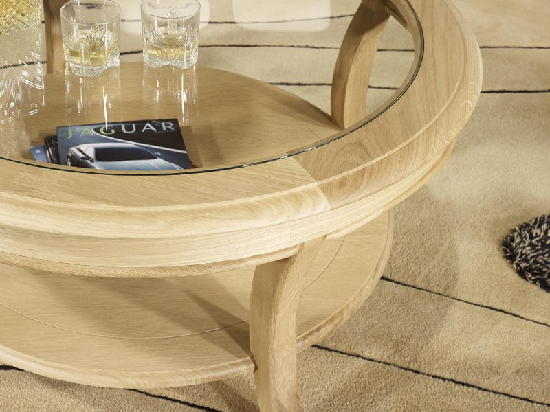 Table basse ronde gontran en ch ne massif de style louis for Table ronde en chene