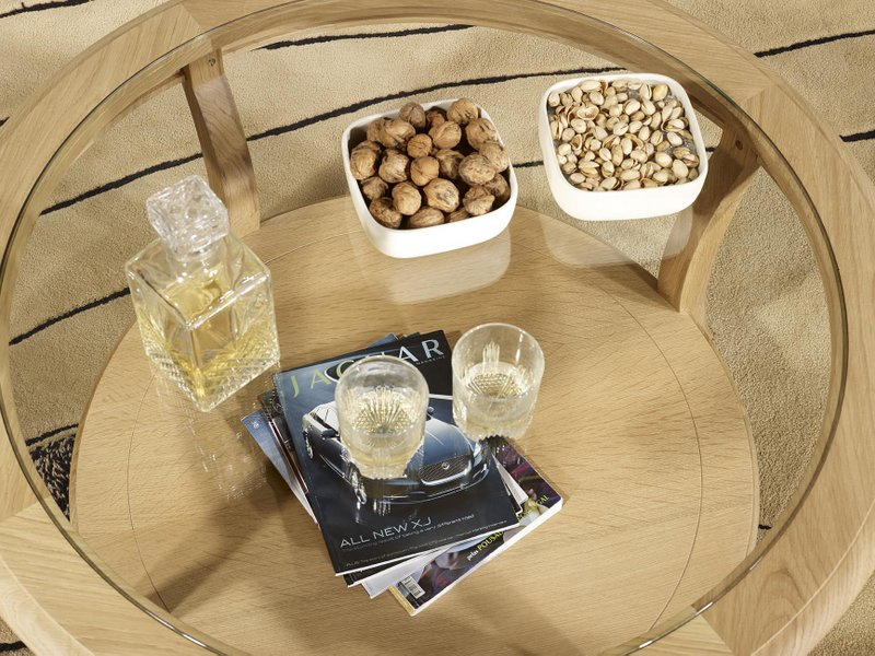Table basse ronde gontran en ch ne massif de style louis for Table basse ronde en verre