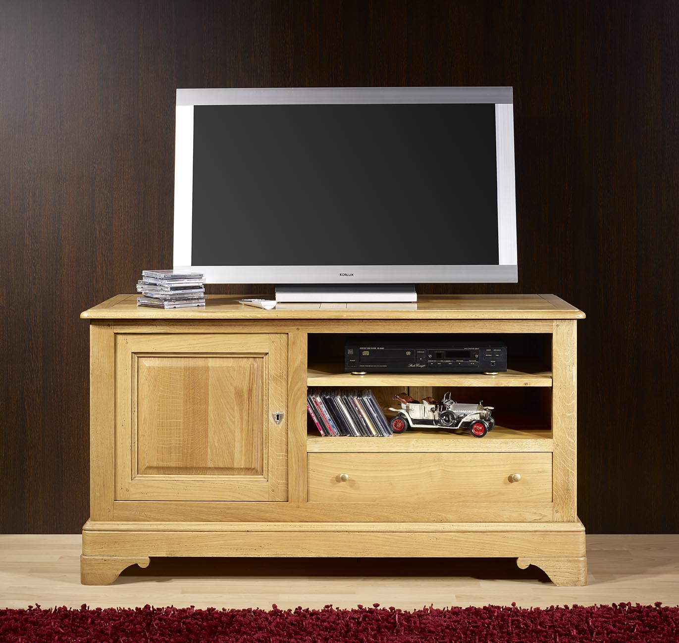 meuble tv 16 9 me en ch ne massif de style louis philippe. Black Bedroom Furniture Sets. Home Design Ideas