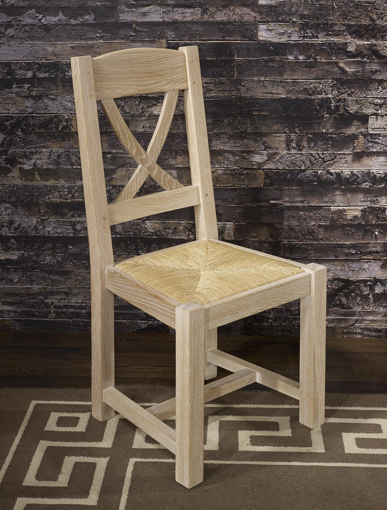chaise en ch ne massif de style campagnard finition ch ne bross meuble en ch ne. Black Bedroom Furniture Sets. Home Design Ideas