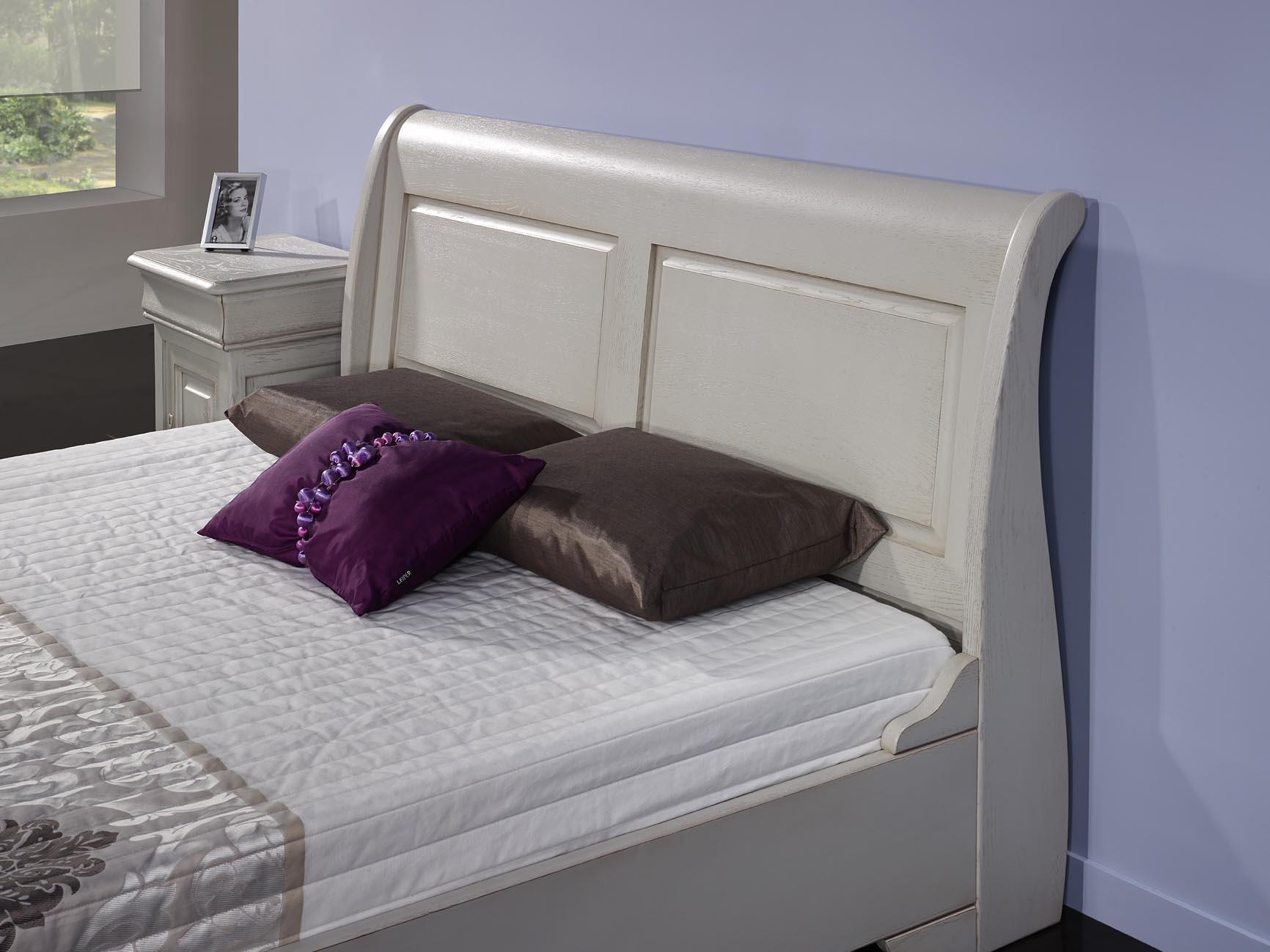 lit bateau 140x190 en ch ne massif de style louis philippe campagnard finition ch ne bross gris. Black Bedroom Furniture Sets. Home Design Ideas