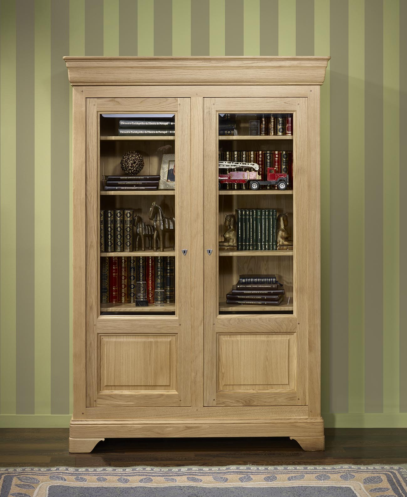 biblioth que 2 portes en ch ne massif de style louis philippe finition ch ne bross naturel. Black Bedroom Furniture Sets. Home Design Ideas