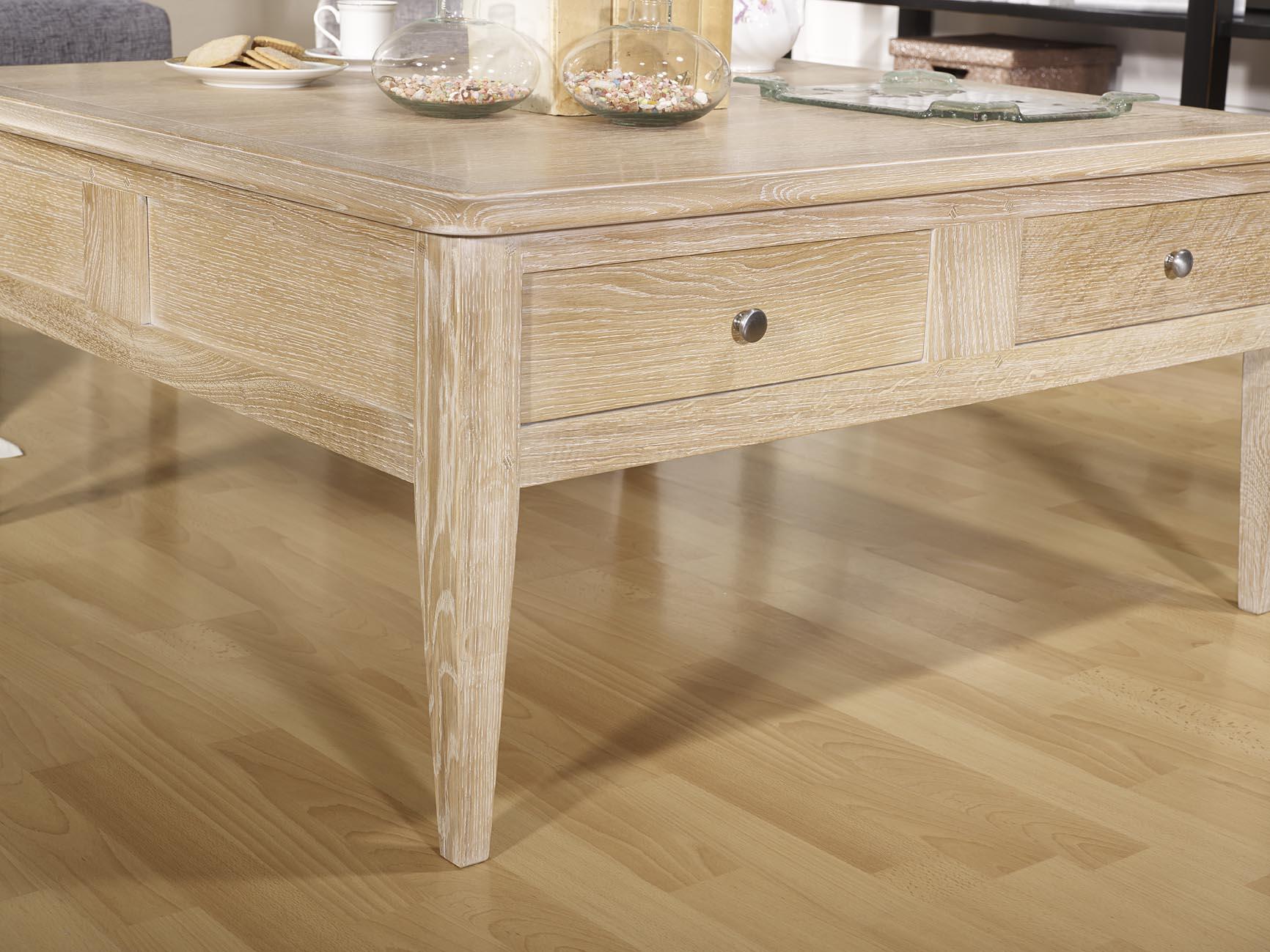 Table basse carr e em ch ne de style directoire meuble for Table carree en chene