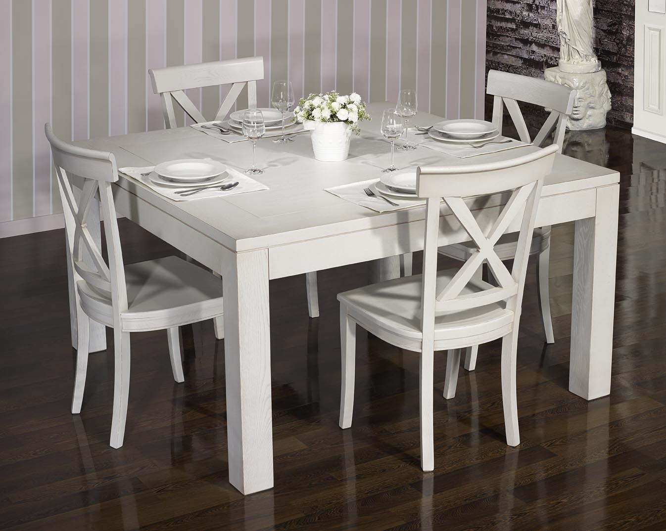 Table carree grise avec allonges for Table salle manger carree grise