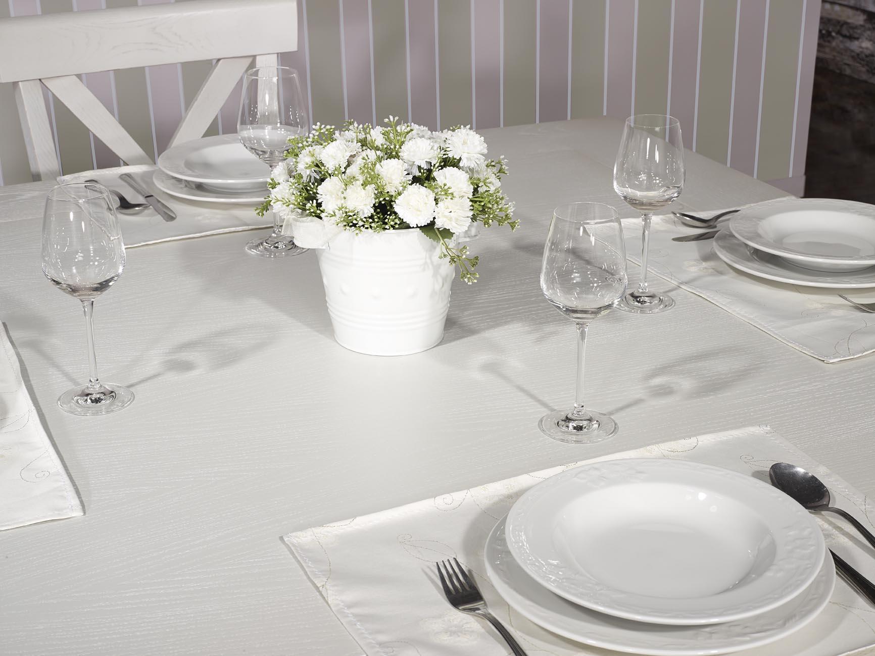 Table de salle manger 140 140 contemporaine en ch ne for Table carree contemporaine