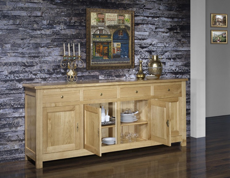 buffet 4 portes en ch ne massif de style campagnard meuble en ch ne. Black Bedroom Furniture Sets. Home Design Ideas