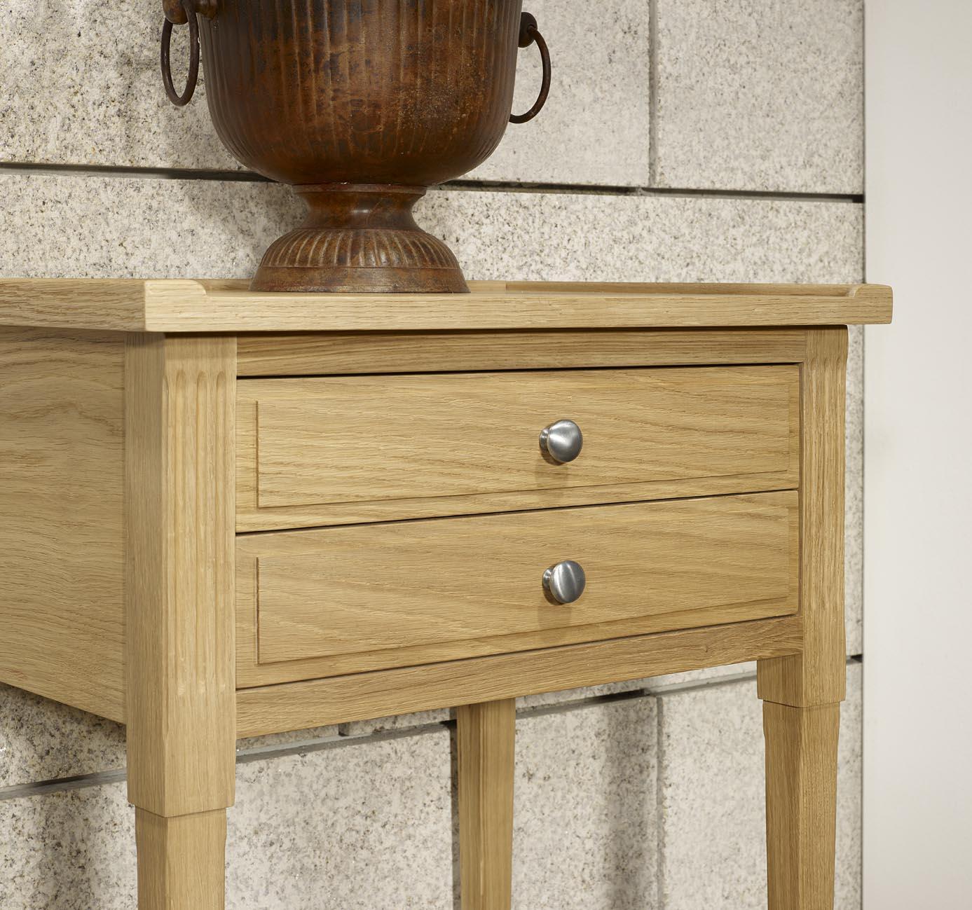 meuble d 39 appoint st phane ou meuble t l phone en ch ne massif de style directoire meuble en ch ne. Black Bedroom Furniture Sets. Home Design Ideas