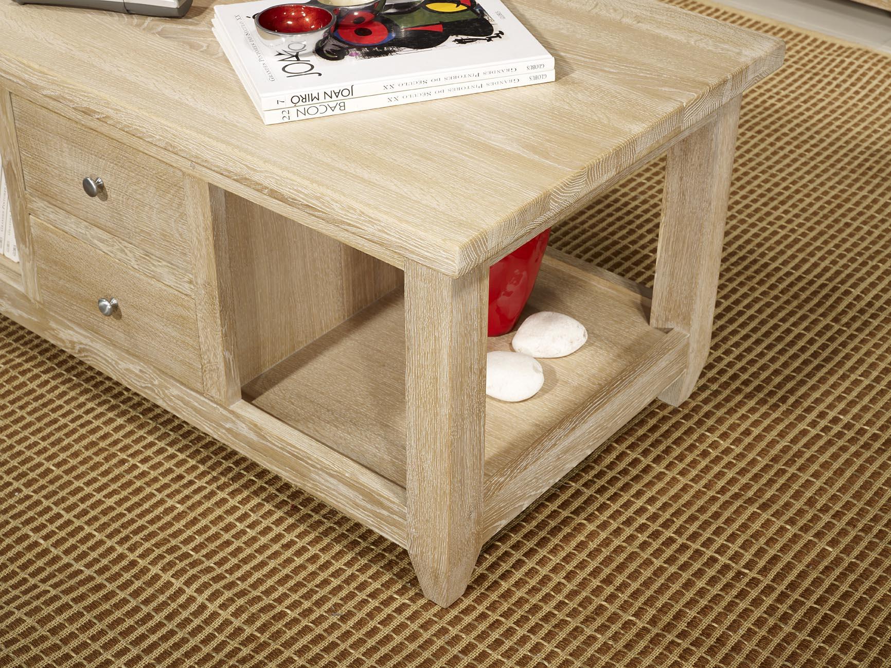 Table basse en ch ne massif de style campagnard finition - Table en chene blanchi ...