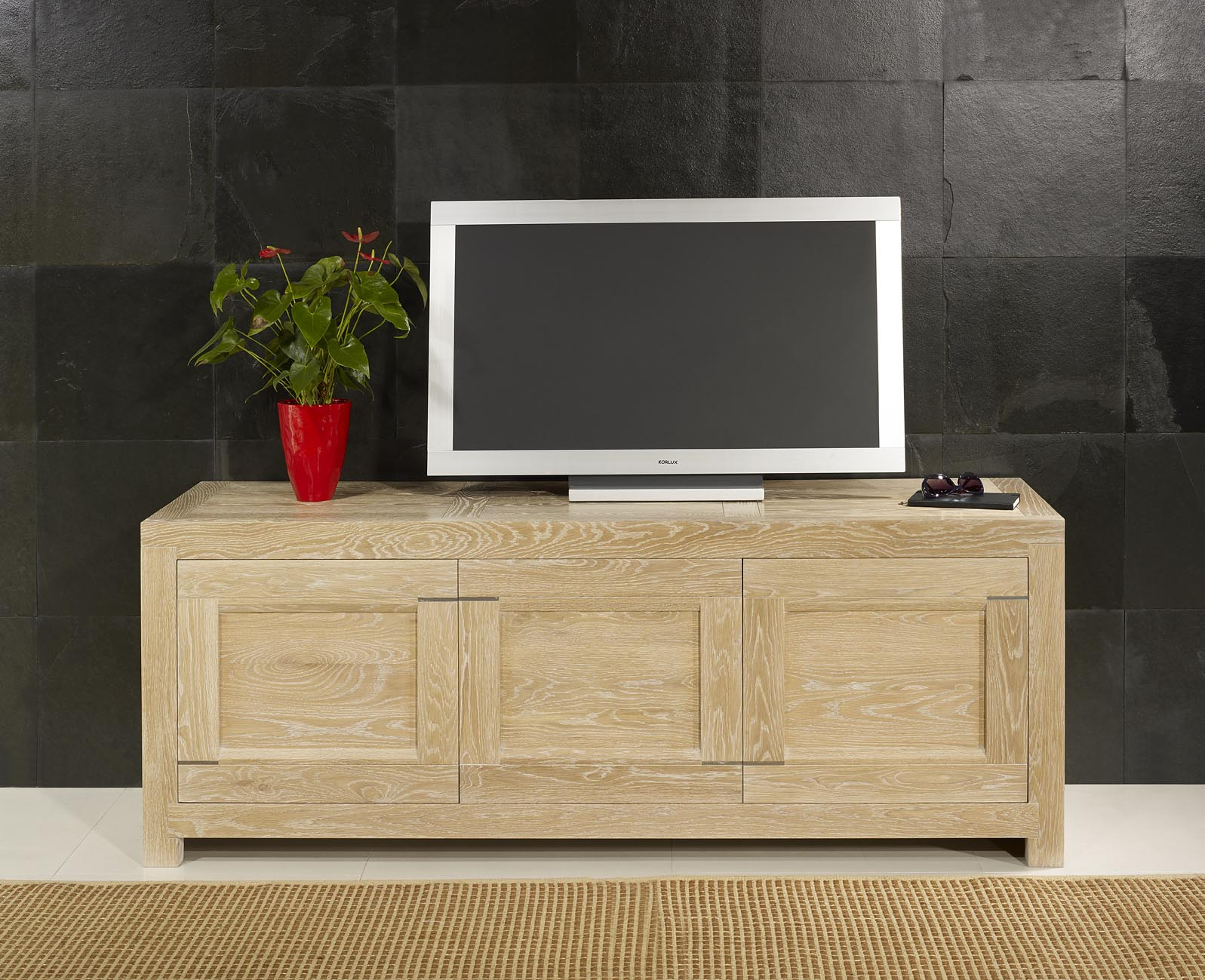 meuble tv 16 9 me thierry en ch ne massif contemporain. Black Bedroom Furniture Sets. Home Design Ideas
