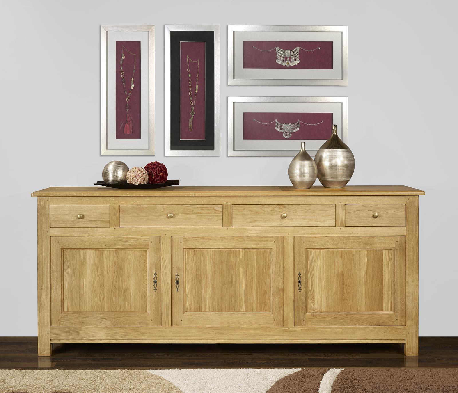 buffet 3 portes 4 tiroirs en ch ne massif de style campagnard meuble en ch ne. Black Bedroom Furniture Sets. Home Design Ideas