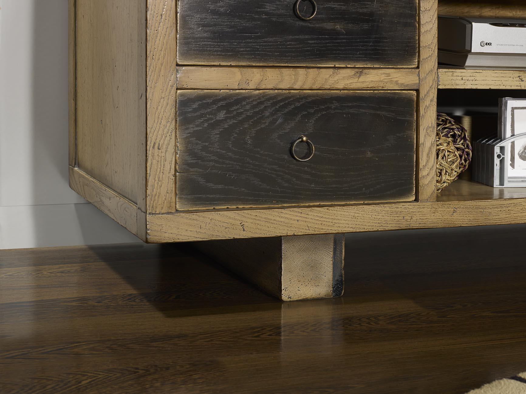 meuble tv vintage 4 tiroirs en ch ne massif de style contemporain meuble en ch ne. Black Bedroom Furniture Sets. Home Design Ideas