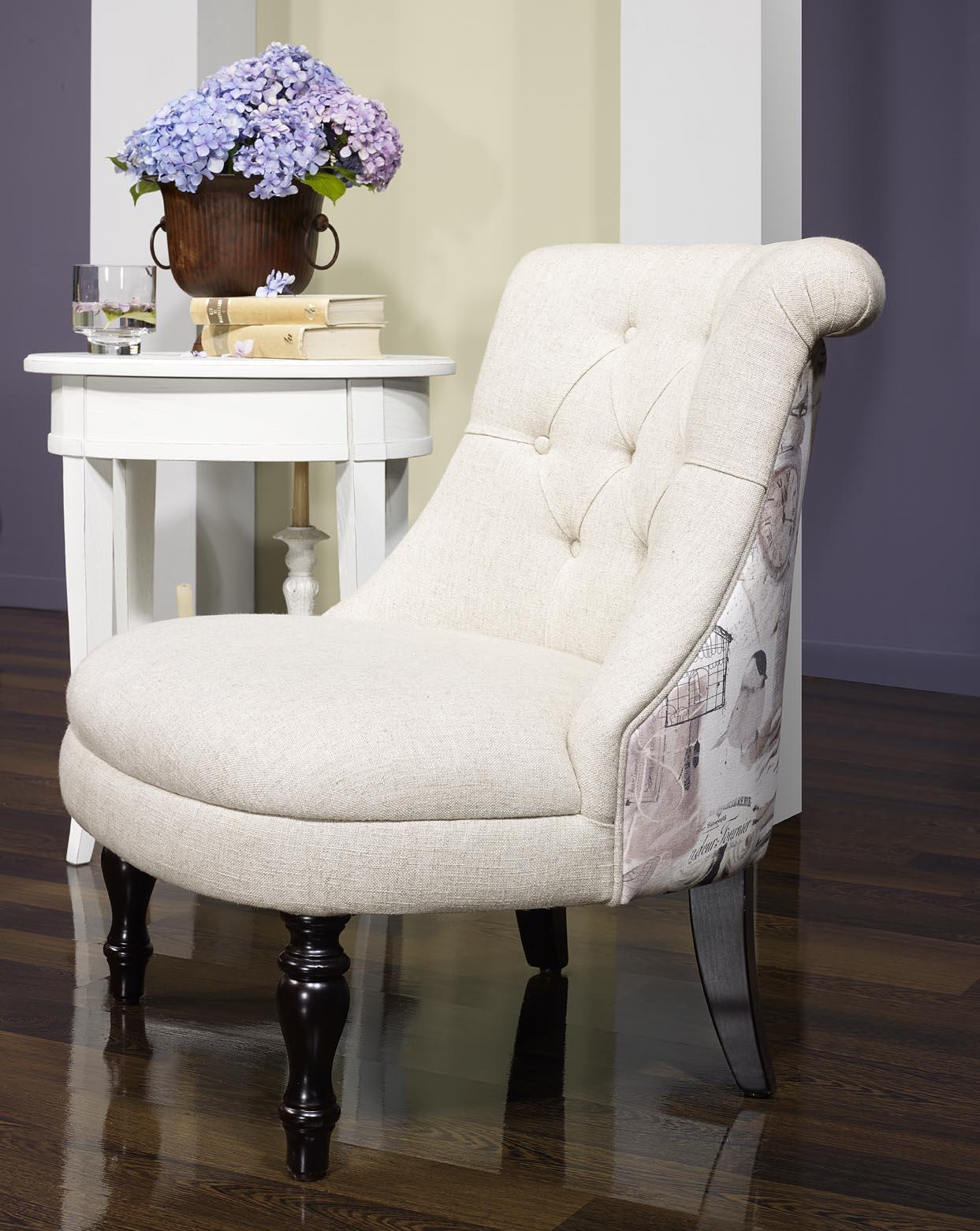 fauteuil crapaud en tissu lin capitonn beige avec motif floral meuble en ch ne. Black Bedroom Furniture Sets. Home Design Ideas