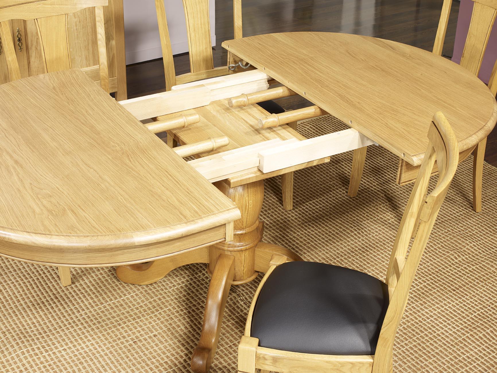 table ovale pied central j r me en ch ne massif de style. Black Bedroom Furniture Sets. Home Design Ideas