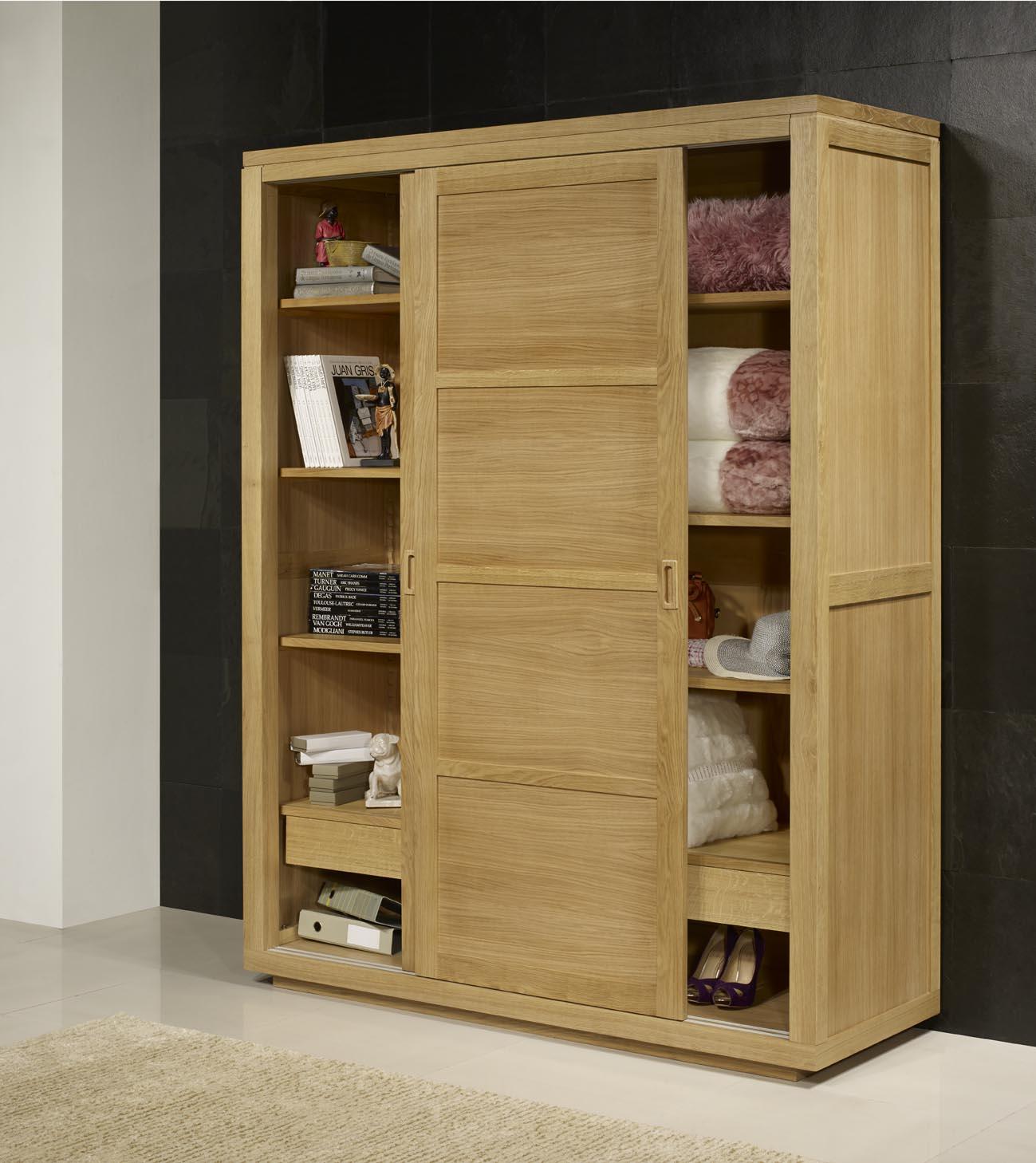 armoire 2 portes coulissantes n en ch ne de ligne contemporaine meuble en ch ne. Black Bedroom Furniture Sets. Home Design Ideas