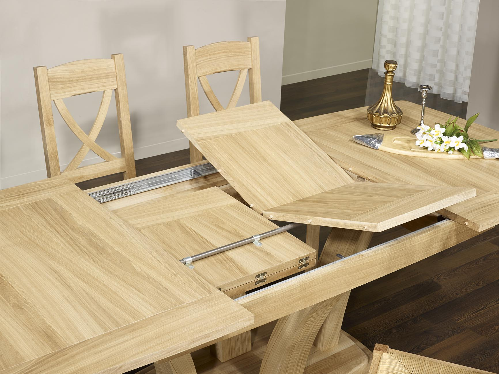 table de repas contemporaine en ch ne massif finition. Black Bedroom Furniture Sets. Home Design Ideas