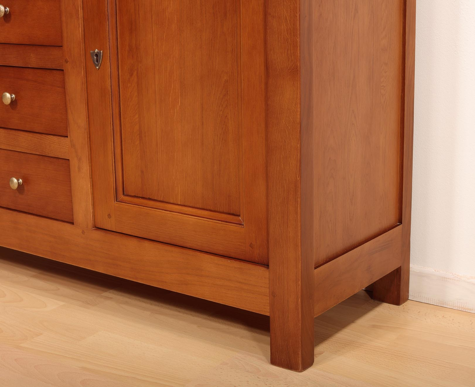 petit buffet 2 portes 7 tiroirs en ch ne massif de style campagnard meuble en ch ne. Black Bedroom Furniture Sets. Home Design Ideas