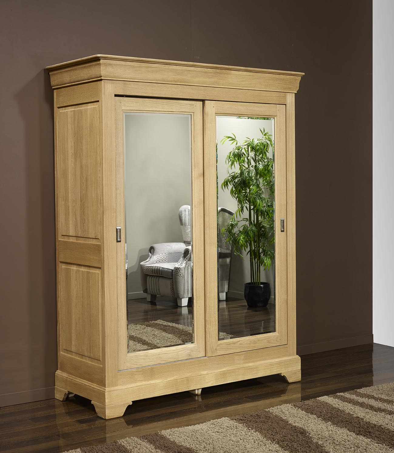 armoire 2 portes en ch ne massif de style louis philippe portes coulissantes meuble en ch ne. Black Bedroom Furniture Sets. Home Design Ideas