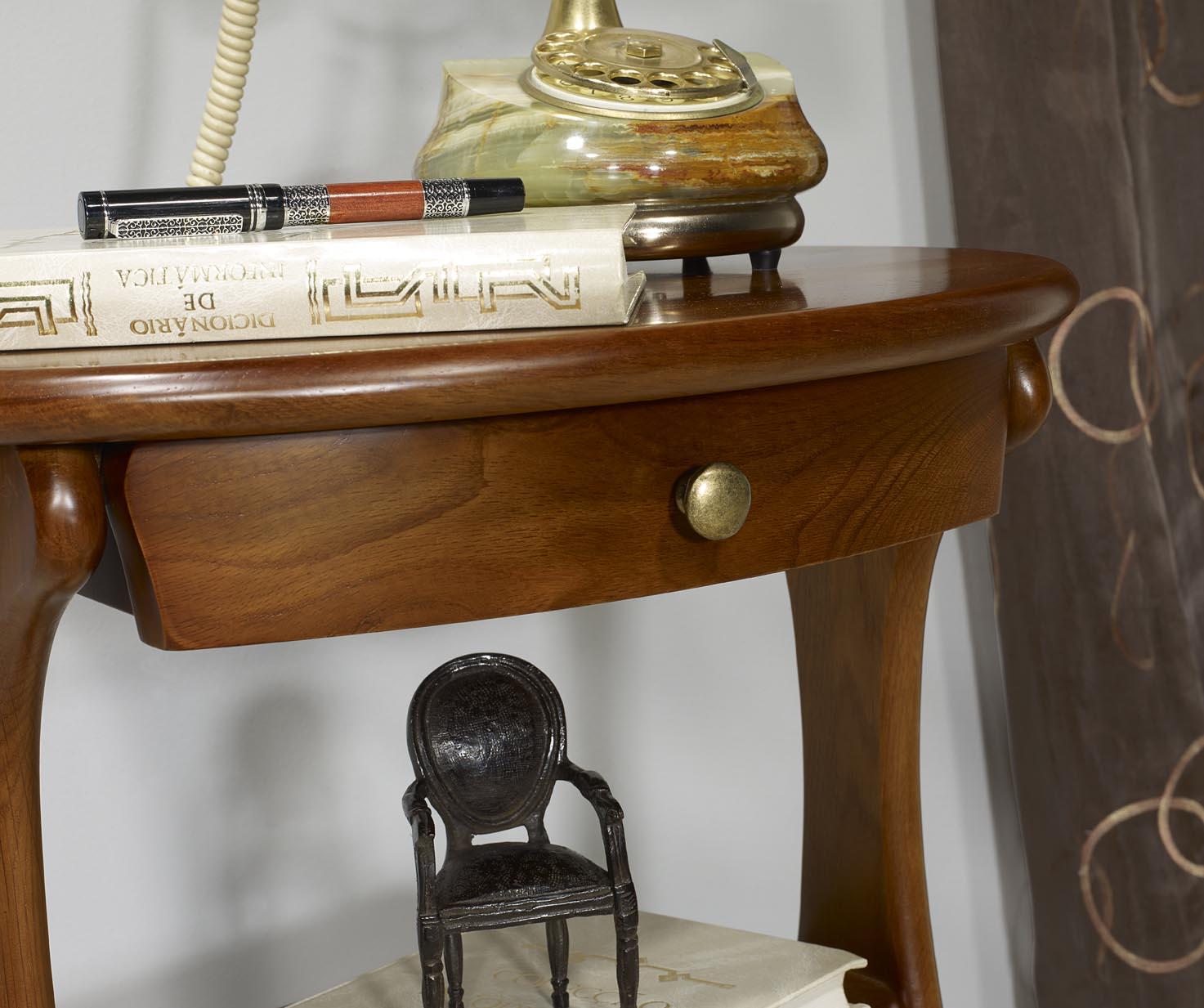 gueridon oval en ch ne massif de style louis philippe meuble en ch ne. Black Bedroom Furniture Sets. Home Design Ideas