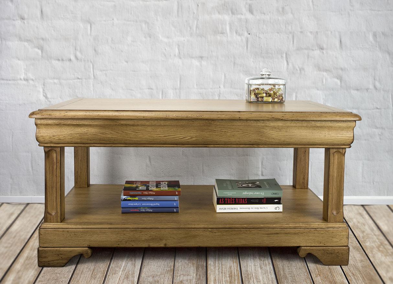 table basse en ch ne de style louis philippe meuble en ch ne. Black Bedroom Furniture Sets. Home Design Ideas