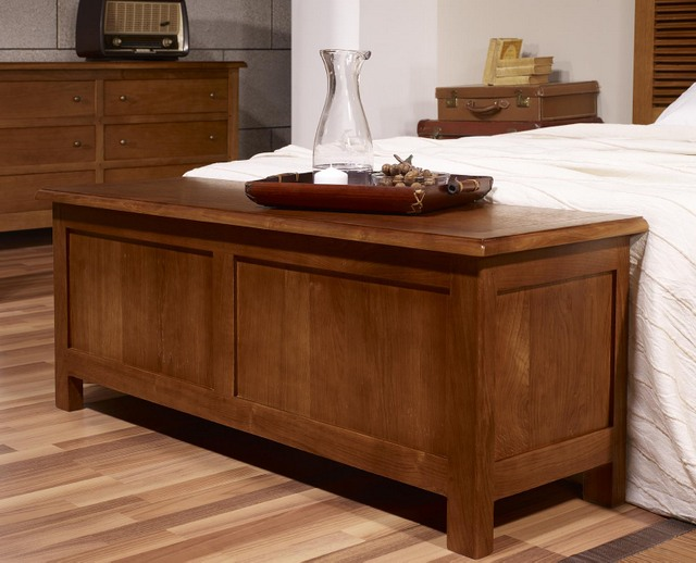 banc coffre en ch ne massif de style campagne meuble en ch ne. Black Bedroom Furniture Sets. Home Design Ideas