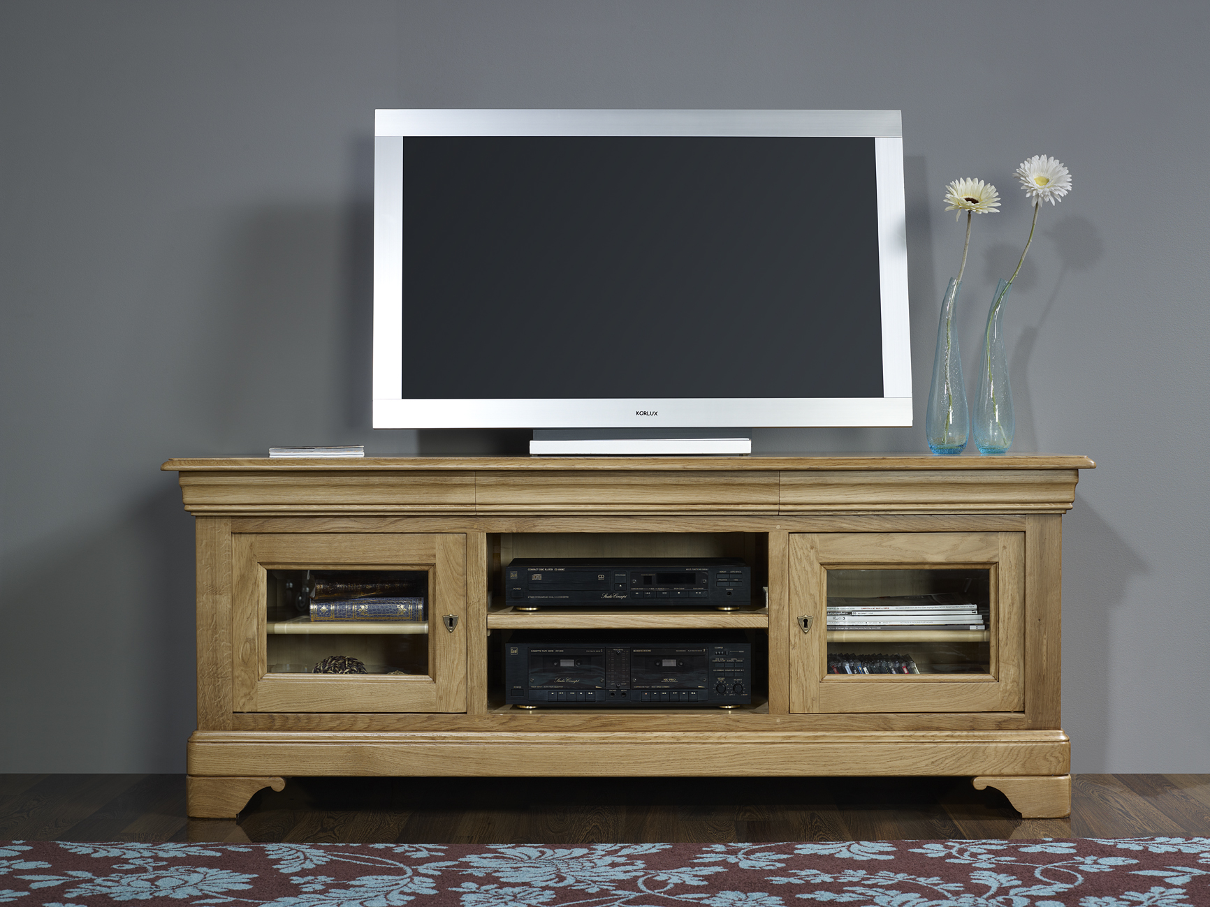 meuble tv 16 9 me en ch ne massif de style louis philippe hauteur 75 cm meuble en ch ne. Black Bedroom Furniture Sets. Home Design Ideas