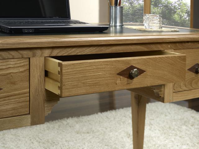 bureau 1 2 ministre 3 tiroirs en ch ne de style directoire meuble en ch ne. Black Bedroom Furniture Sets. Home Design Ideas