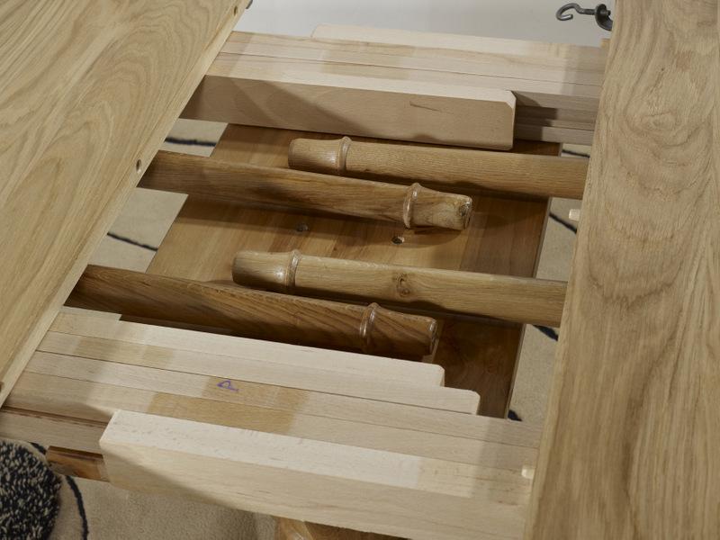 table ronde pied central en ch ne massif de style louis philippe diametre 120 avec 5 allonges. Black Bedroom Furniture Sets. Home Design Ideas