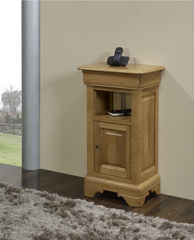 meuble t l phone en ch ne massif de style louis philippe meuble en ch ne. Black Bedroom Furniture Sets. Home Design Ideas